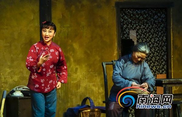 现代京剧《红灯记》海口惠民上演精彩表演获赞誉