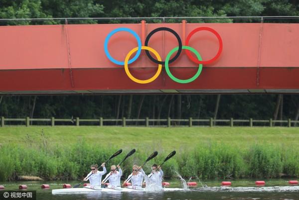 里约代表团近日参加了公布英国奥运的皮划艇运动员,众运动员备战v奥运鞋油图片