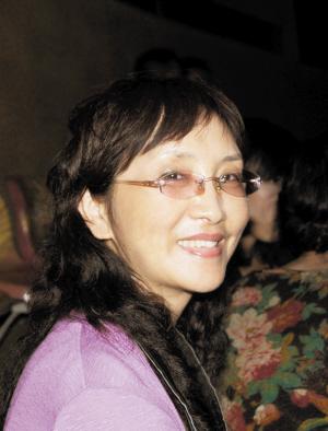 海南知名作家李咏芹因病于15日凌晨逝世年仅57岁