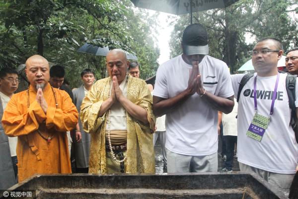 假僧人陪韦德游少林寺 官方 他们不是本寺僧人