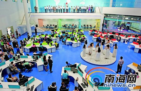 海南广电传媒集团有限公司挂牌新闻演播室集群启用