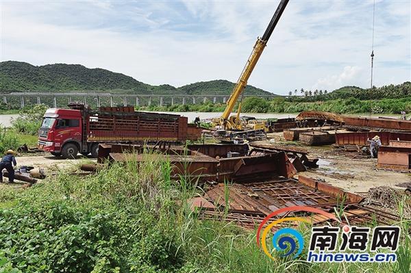 三亚18艘非法采砂运砂船被切割解体砂场老板已被刑拘