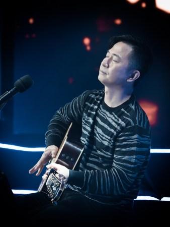 黄舒骏做客人文音乐课 讲述他的流行与音乐