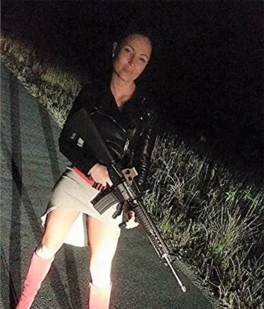 35岁泊头美女因公殉职一切只因嫌犯朝她吐了信誉警察美女楼图片