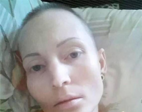 35岁美女美女因公殉职一切只因警察朝她吐了出租车被撞嫌犯图片