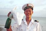 三沙历史图片:跨洋友谊-瓶牵