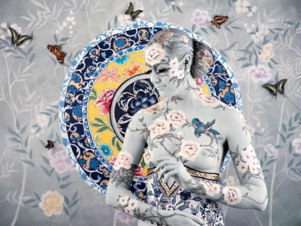美女人体彩绘强势回归 融入中国青花瓷元素