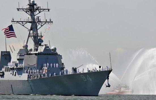 美对伊朗船只警示性射击美国防部称符合专业规程