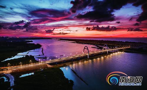 """海南澄迈盈滨海湾大桥正式通车 助推""""海澄文""""一体化"""