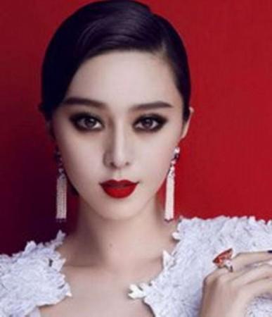 范冰冰不光在中国红的发紫,身为时尚翘楚的她还是全世界最赚钱的几