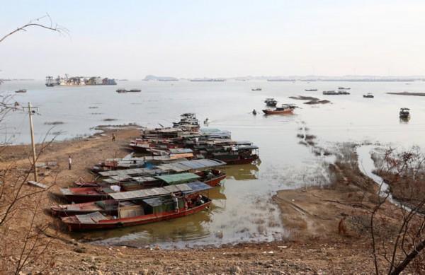 中国最大淡水湖面积1个月缩小三分之一