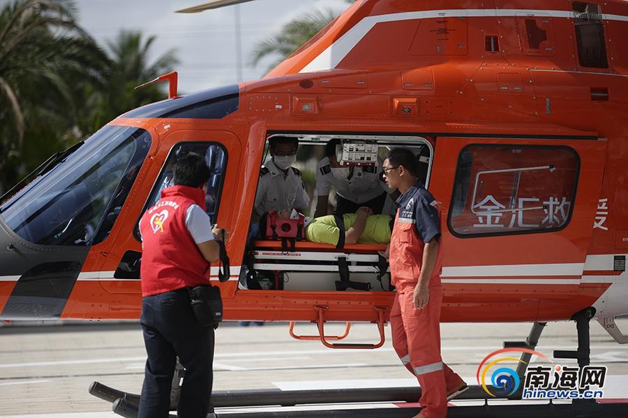 海南首架医疗救援直升机明年初投用首批10个医院建停机坪