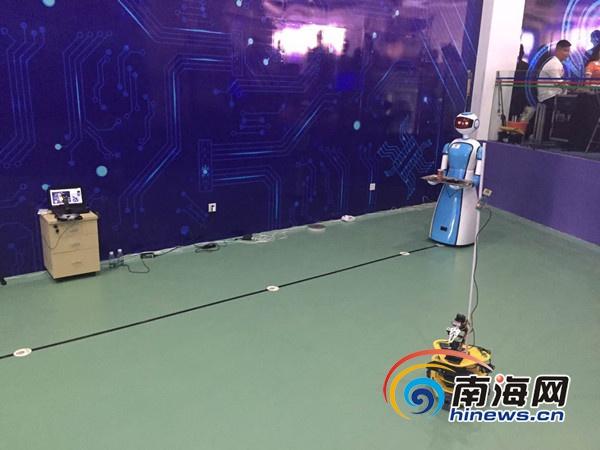 蜂巢创新工场填补海南服务机器人研发与制造空白
