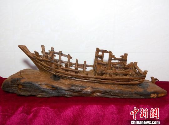 浙江洞头木雕艺人:不忘初心 雕琢旧时渔家沧桑图片
