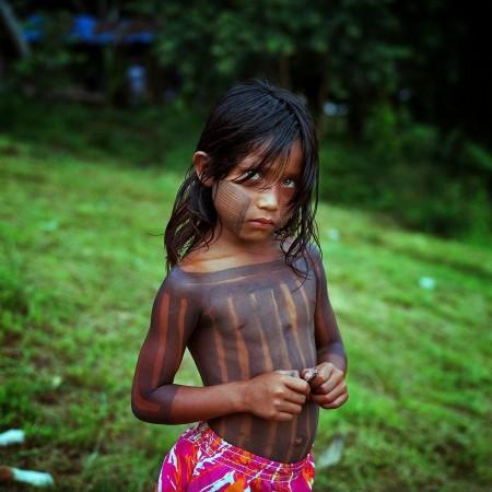 亚马逊河大修水电站 土著居民被迫离开家园