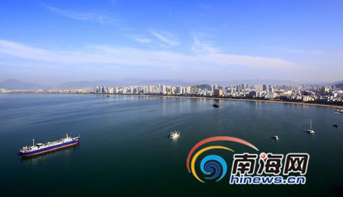 一座旅游城的30年三亚旅游人数从100万到1500万