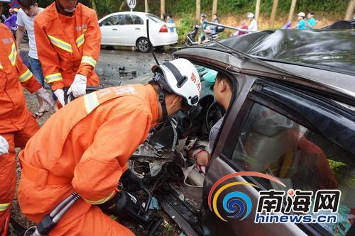 琼海嘉博路轿车追尾5人受伤事故原因正在调查