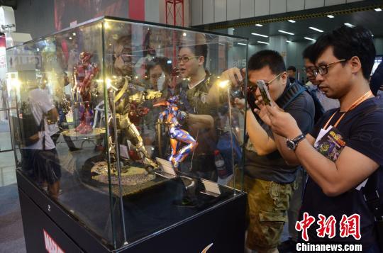 华南最大规模动漫游戏展开幕 海内外近百动漫品