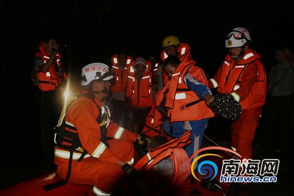 白沙持续暴雨至60余人被洪水所困 消防官兵成功转移