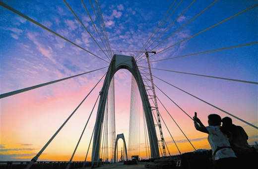 南宁最美跨江桥