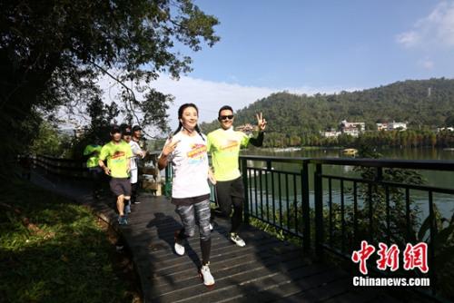大胆人体艺术写真189_张雨绮跑10公里马拉松 任贤齐:跑步是意志力体现