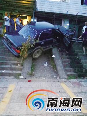 琼中一家三口被撞多处骨折肇事司机无证驾驶