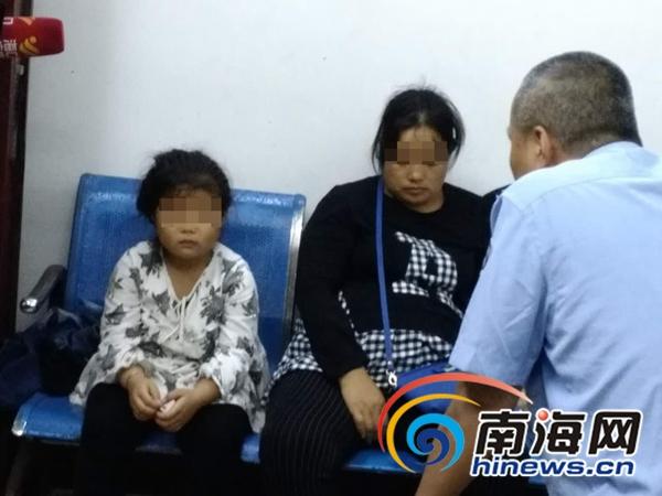 "<b>孕妈妈带6岁女儿买菜 女孩""拿""走海口摊主8000元</b>"