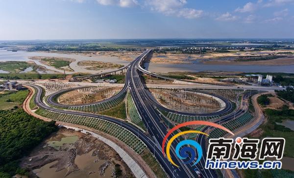 定海大桥正式通车全长1.64公里连接海口定安澄迈