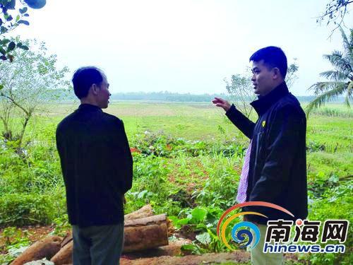 临高富雄村第一书记龙海建起县里第一家农村电商平台