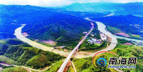 <b>琼乐高速超额完成年度投资任务 全面进入桥面铺设阶段</b>
