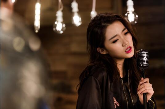 全能唱作才女艾米?扬(Amy Yang)新作《她》MV首发 引歌迷点赞