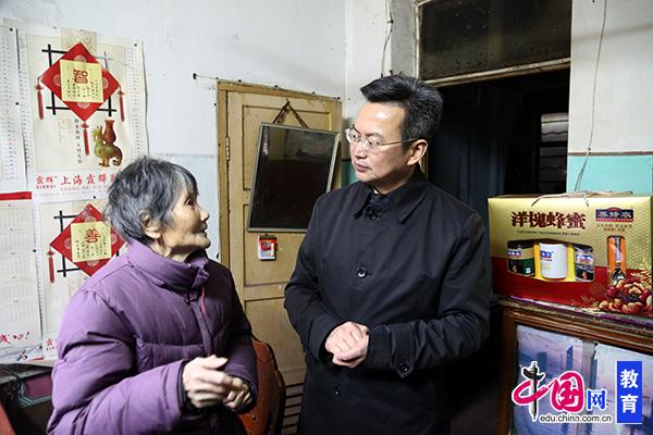 江苏南通市教育局 走帮服 助力富民强企奔小康
