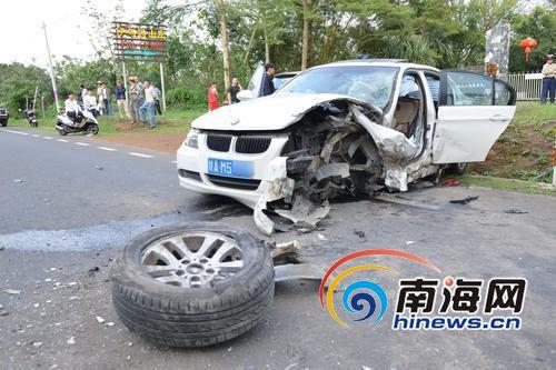 <b>海口至三亚223国道发生事故 宝马本田相撞1死2伤</b>