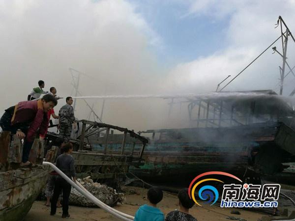 <b>临高县调楼镇黄龙村两艘渔船起火无人员伤亡</b>