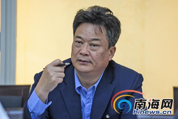 海南省工商局局长:让12345像机器人一样自动接电话