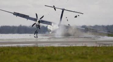 惊险!英国一载59人客机降落时起落架断裂