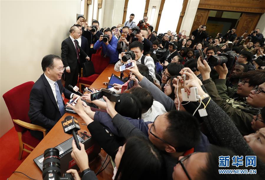 (两会)(9)全国政协十二届五次会议举行新闻发布会