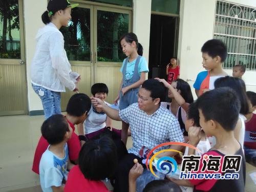 海大教师赵红亮11年助学不断欲策划更多公益活动