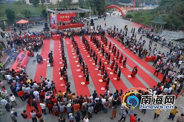 海内外民众海口举办公祭冯宝冼夫人典礼活动