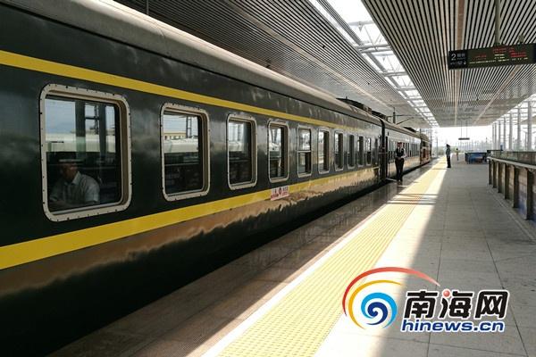 <b>三亚旅游铁路开通1个多月已运送游客近5000人次</b>