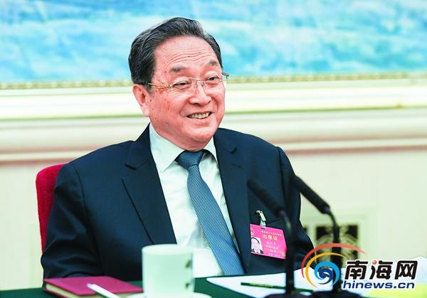 <b>俞正声参加海南代表团审议强调把稳中求进总基调贯彻到各项工作中</b>