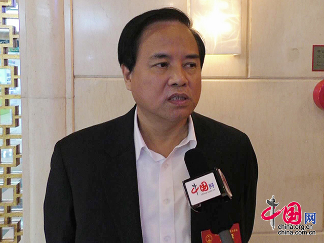 <b>刘赐贵谈海南底线:只要有污染绝不会上</b>