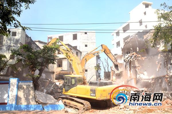 三亚榕根棚改集中拆除39栋房屋3月底前可全面收工