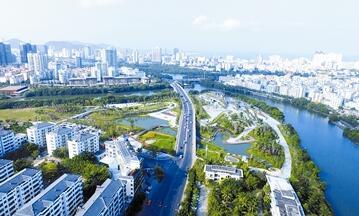 三亚河、临春河两条河流穿城而过 风景如画