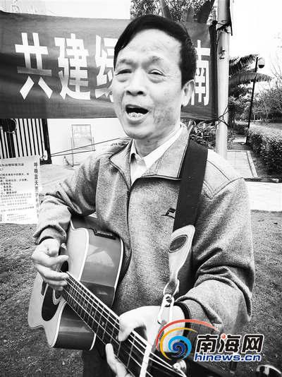 七旬老人从南京来琼海养生 5年坚持环保宣传