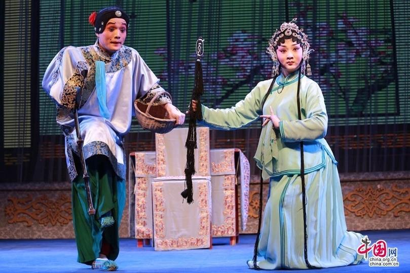 西安易俗社:独特秦腔魅力 传播多彩民俗文化