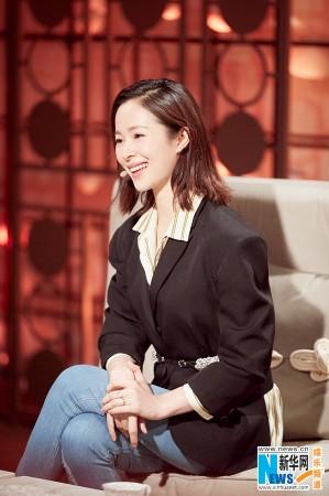 江一燕《朗读者》致敬恩师:感谢她给予我勇气