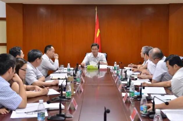 <b>海南省纪委书记蓝佛安今天到三亚调研了,看看他说了啥</b>