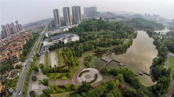 """鸟瞰自贡""""城市之肺""""南湖生态公园"""