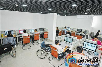 <b>海南残疾大学生创业团队:无奋斗不青春</b>